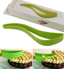 1x Plastic Convenient Cake Knife Cutting Cake Kitchen Pastry Tool Utensil Random