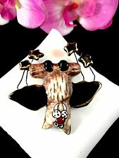 FABULOUS FUN HEATHER GOLDMINC CLAYWORKS CERAMIC ENAMEL HALLOWEEN BAT BROOCH