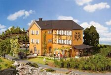 NEW HO Faller Three Storey WINERY HOTEL w/ Garden Restaurant Building KIT 130908