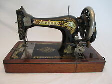 Antique Vintage 1910 SINGER Hand Crank Sewing Machine with Bentwood Case