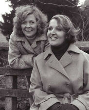 Penelope Keith & Angela Thorne 10 x 8 UNSIGNED photo - P1170 - To the Manor Born