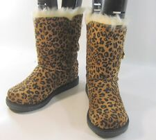 Cheetah print  Winter comfortable flat ankle boot fur inside/ button    size   6