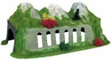 Heki 5074 Single Track 'N' Gauge Plastic Decorated Tunnel  260mm Long - T48 Post