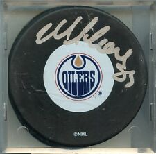2001-02 Topps Reserve Mike Comrie Autographed Puck Edmonton Oilers