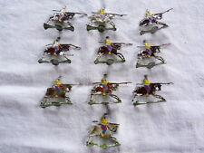 HEINRICHSEN - Plats d'étain - Zinnfiguren - 10 cavaliers réguliers chinois.