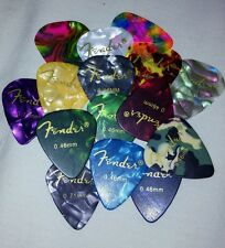 20 Pcs Assorted Celluloid Equilater Guitar Picks 0.46,0.71,0.96mm for fender