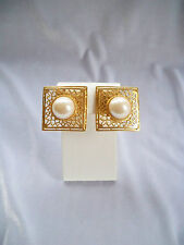 Vintage Faux Pearl Cabochon Center Gold Tone Openwork Filigree Clip On Earrings