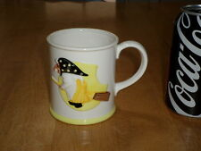 WITCH FLYING ON HER BROOM IMAGE, 3-D GRAPHICS, Ceramic Coffee Mug / Cup, Vintage