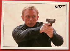 JAMES BOND - Quantum of Solace - Card #074 - Bond & Camille Infiltrate