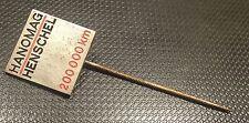 Hanomag Henschel Anstecknadel 200000 KM silber 15x15mm gest Krummacher alt