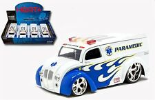 JADA 1:24 DISPLAY HEAT PARAMEDIC DIVISION CRUISER Diecast Car