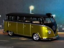 1958 58 VW VOLKSWAGEN 15 WINDOW BUS / VAN 1/64 SCALE MODEL  DIORAMA - COLLECT