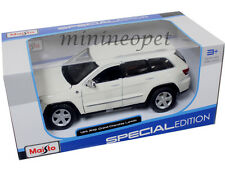 MAISTO 31205 JEEP GRAND CHEROKEE LAREDO SUV 1/24 DIECAST MODEL CAR WHITE