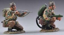 THOMAS GUNN WW2 BRITISH COMM008 COMMANDO FLAMETHROWER TEAM MIB