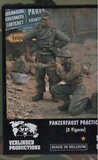 1/35 - Coppia di soldati tedeschi (1943-1945) 'Pratica al tiro col panzerfaust'