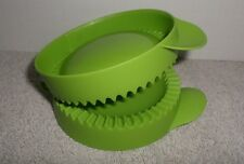 Tupperware Pie Pastry Press Green Empanada Maker ~ Brand New