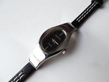 Relic Folio Reloj de mujer con correa de cuero delgada ZR33495