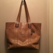 COACH Carryall Hamptons Leather Camel Tan Beige Tote Bag Purse K0682-F10195