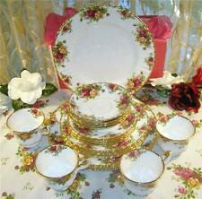 OLD COUNTRY ROSES 20 PIECES 4 PLACE SETTING ROYAL ALBERT England 1962 heirloon Q