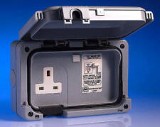 MK 56301 GRY 1G DOUBLE POLE SWITCH RCD Protetta Socket 30mA Active IP56 ** NUOVO **