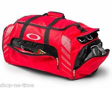 "Oakley 85L Large Sport 28"" Red Duffle Bag Made For Travel Or The Gym - New"