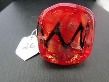 Un gran grueso Rojo Con Negro Y Oro Anillo De Cristal De Murano/estilo Dicroico. (26).
