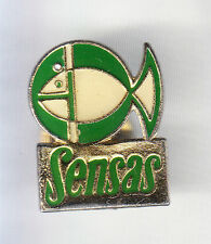 RARE PINS PIN'S .. SPORT PECHE FISHING POISSON SENSAS CANE APPATS VERT BEIGE ~CQ