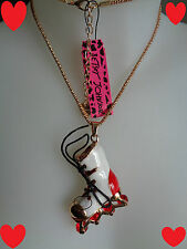 1 collier pendentif roller    Betsey Johnson    Occasion