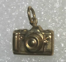 9 ct Gold  camera  pendant
