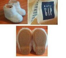 SIZE 7  Baby Gap Toddler Boots Color Off White Furry fashion Winter Faux fur NEW