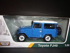 Motormax Toyota FJ40 Blue with White Top 1/24 Platinum Edition
