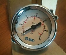 NEW IN BOX SMC PRESSURE GAUGE 4K8-4P 0-4 bar 0-60 psi GLASS FACE 40 mm panel