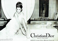 PUBLICITE ADVERTISING 026  1995  Dior  haute couture Carla Bruni (2p)