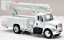 New In Box 1/43 Scale Diecast International 4200 Line Maintenance / Bucket Truck