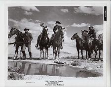 """RAQUEL WELCH / JAMES STEWART / DEAN MARTIN (Pressefoto `68) in """"BANDOLERO"""""""
