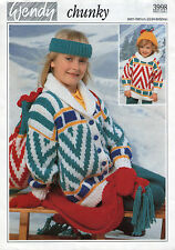 ~ knitting pattern for child's pullover, jacket, moufles, sac & chapeau ~