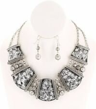 CLEOPATRA LOOK LUCITE BLACK AMBER LOOK SILVERTONE CHUNKY NECKLACE EARING