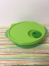 Tupperware Divided Dish CrystalWave 4 Cups Green New