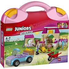 LEGO Friends Juniors 10746 - Mia's Farm Suitcase