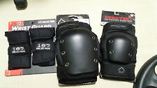 BNWT Protec Elbow and Knee pads with free wrist guard (medium)