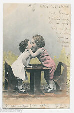 CPA A36 BEBE AMOUREUX BAISER AMOURETTE BANC ECOLE AMOUR BABY FRENCH KISS LOVERS