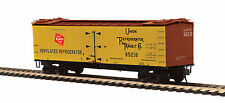 MILWAUKEE ROAD RAILROAD R40-2 WOODSIDE REEFER  BY MTH TRAINS -HO SCALE -SAVE $$