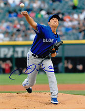 CHIEN-MING WANG  TORONTO BLUE JAYS    ACTION  SIGNED 8x10