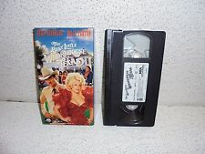 The Best Little Whorehouse in Texas VHS Video Dolly Parton Burt Reynolds Hot!!