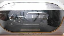 Mercedes 770 K in schwarz nero negro noir black, Signature Models in 1:18 boxed!