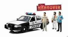 1:18 GreenLight *THE HANGOVER MOVIE* Las Vegas Police Car w/3 FIGURES *NIB*