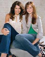 Lauren Graham & Alexis Bledel (22285) 8x10 Photo