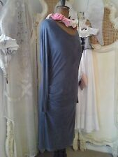 OSKA German Designer~ Lovely Dusty Gray-ish Dress With Ruffle ~Size 4~FAB DESIGN
