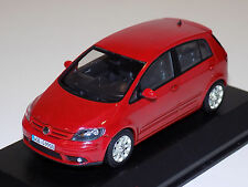 1/43 Minichamps Street Volkswagen Golf Plus in Red Dealer Edition