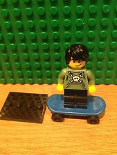 LEGO 8683 SERIES 1 .SKATER MINT CONDITION